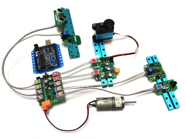 Модули Makeblock с унифицированными разъёмами с цветными метками